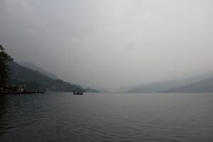 ポカラの湖