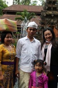 バリの家族と