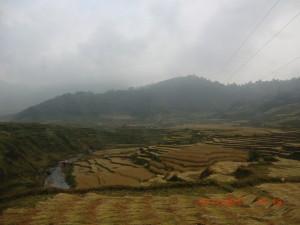 ネパール奥地の天然温泉への道