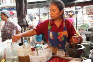 タイ料理 屋台のおばちゃん
