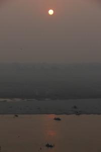 ガンジス川と朝日