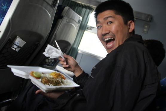 列車の中で売りに来たお昼ご飯
