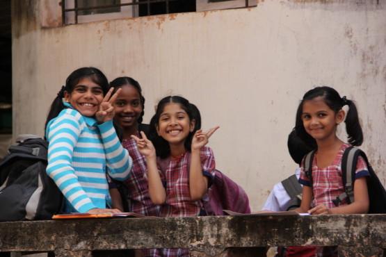 学校終わりの子供たち