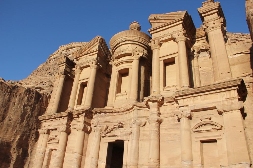 ヨルダンの観光スポットと言えば~インディージョーンズの世界ぺトラ遺跡~