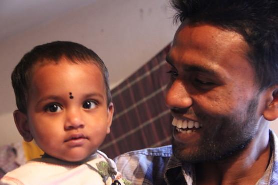 タヒルと子供