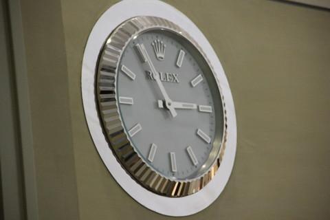 壁掛け時計はロレックス