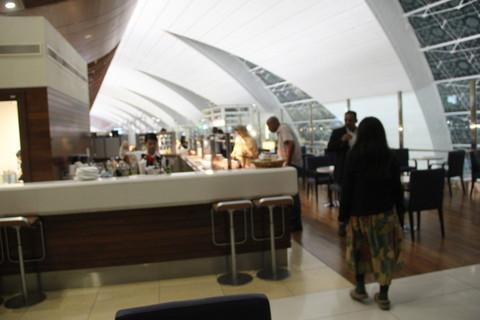 ドバイ空港のラウンジ