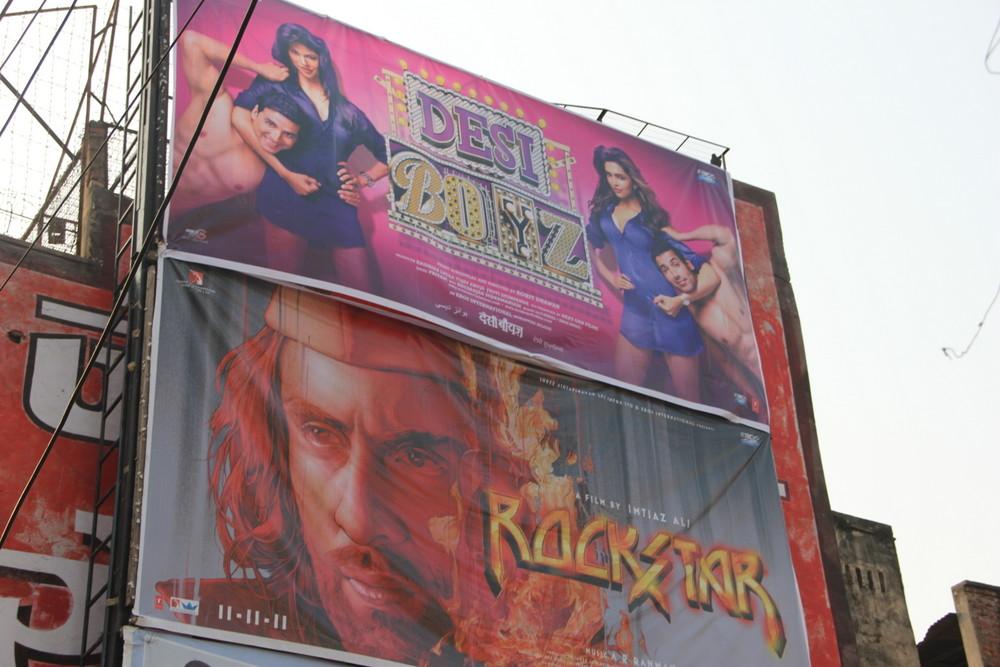 【インドで映画を観る!】インドの映画館はいつも行く近所の映画館より綺麗だった件