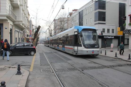 イスタンブール市内を走る路面電車