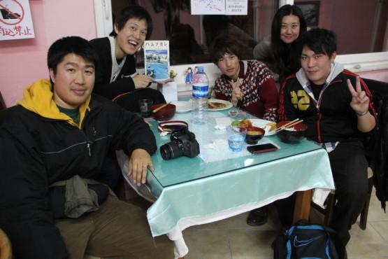 パムッカレの食堂であった大学生の子たちと