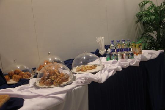 カイロ国際空港のファーストクラスラウンジの食事
