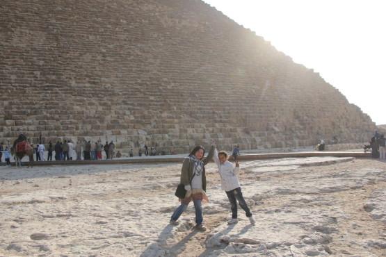 仲良くなったエジプトの子供と