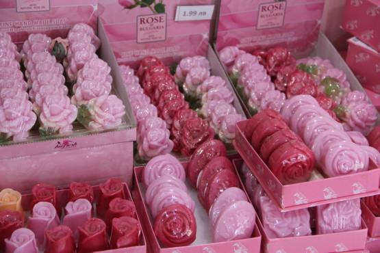 ブルガリアの名産、バラの石鹸