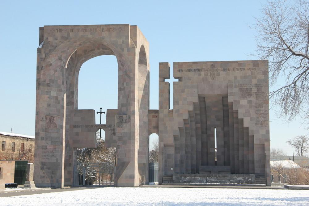 【ロンギヌスの槍のある場所】アルメニアの世界最古の教会にて