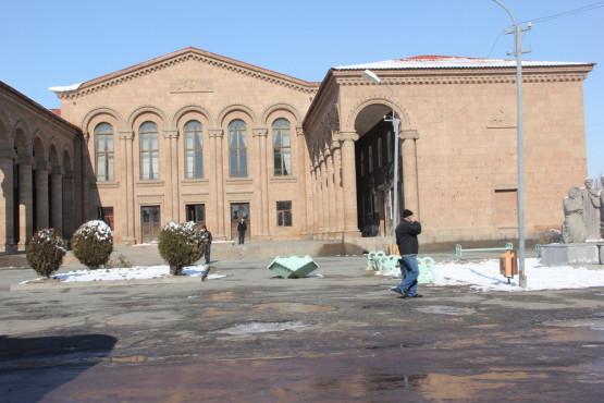 アルメニアの道はずっとシャーベットの様な感じだった