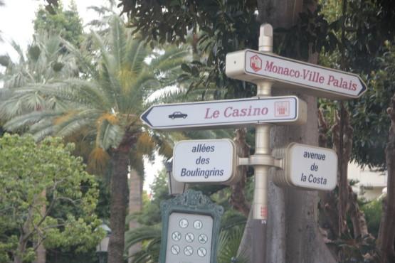 モナコをドライブ中