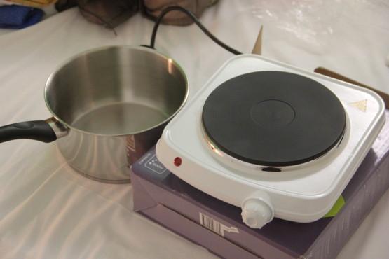 自炊用の電気コンロ