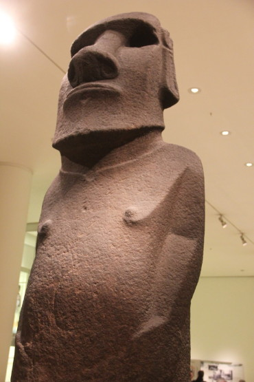 大英博物館のモアイ像