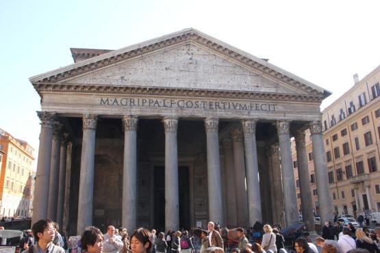 ローマを散歩中