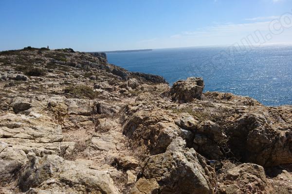 タイムカプセルを埋めたセントビンセント岬となりの岩崖inポルトガル