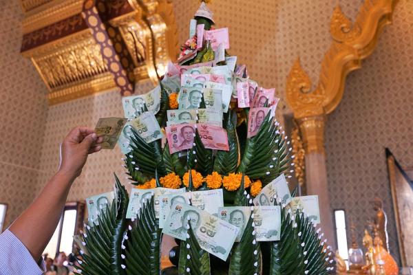 月末にお金が毎月なくなるタイの人たちのお話