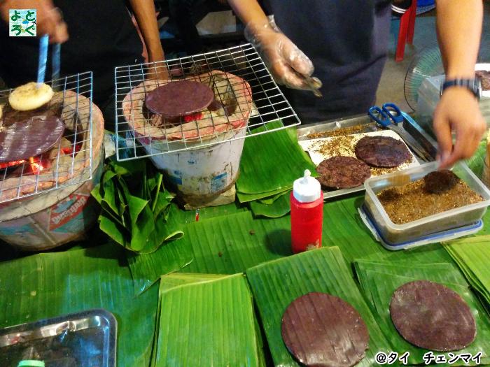 タイのチェンマイで日本人でも1ヶ月5万円の生活も十分可能のアイキャッチ@デザートの屋台の画像